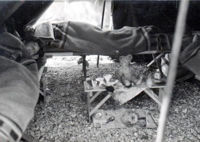 A l'intérieur d'une tente