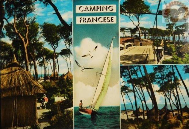 """Carte postale italienne sur laquelle Palinuro est appelé """"Le Camping Français"""""""