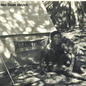 Caprera 1956 - Hoi devant sa tente